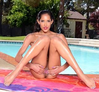 La plus belle femme du monde nue.