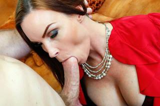 Les plus jolies filles nues orales.